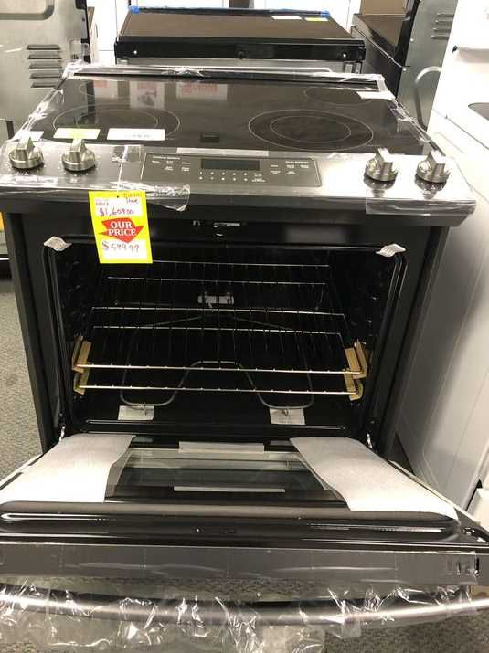 GE Electric Stove 🙈⚡️⏰🍂✔️🔥😀🙈⚡️⏰🍂✔️🔥😀🙈⚡️⏰🍂 Appliance Liquidation!!!!!!!! Y3
