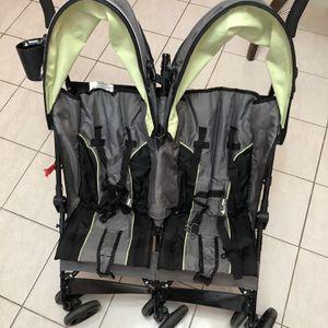 Delta Double Stroller for Sale in Hialeah, FL