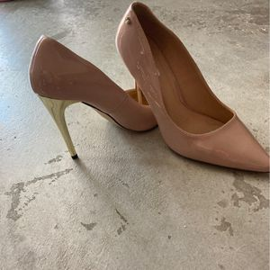 Patent Leather With Metallic Gold Heel for Sale in Miami, FL