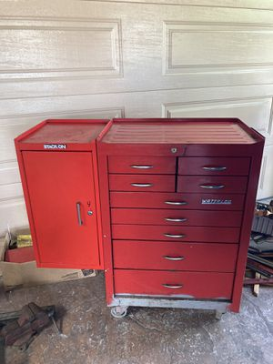 WATERLOO /STACK ON tool box for Sale in San Diego, CA