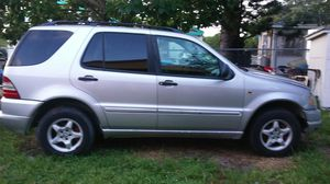 Mercedes-Benz ml 320 year 2000 for parts only for Sale in Atlanta, GA