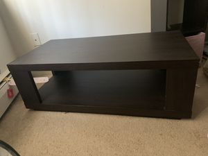 Coffee table for Sale in Windsor Locks, CT
