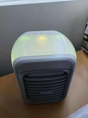 Desk fan with humidifier for Sale in San Diego, CA