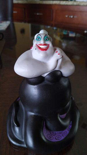 Walt Disney Collection Ursula for Sale in Menifee, CA