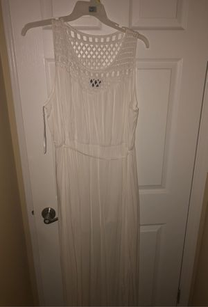 City chic all white maxi dress for Sale in Arlington Heights, IL