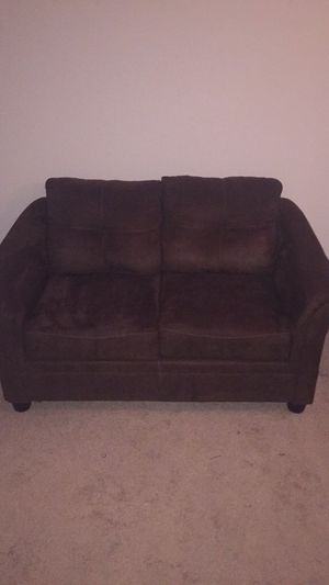 Plush brown couch for Sale in Silver Spring, MD