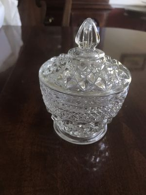 Crystal sugar bowl/ candy dish with top. for Sale in Aspen Hill, MD