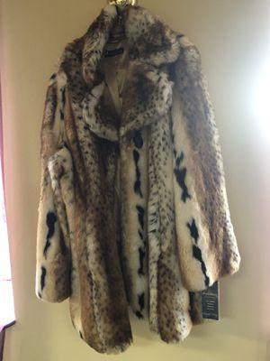 Pamela McCoy Faux Fur Coat for Sale in Bloomfield, CT