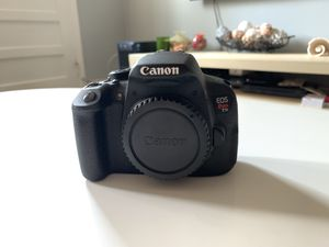 Canon EOS T5i for Sale in Queens, NY