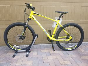 Giant Talon 3- 2019 Mountain bike for Sale in Las Vegas, NV