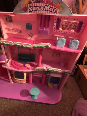 Shopkins mall comes with many accessories for Sale in Meriden, CT