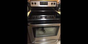 """Frigidaire 30"""" Stainless Steel Smooth Top Range with 5.4 CuFt Self Cleaning Oven for Sale in Miami, FL"""