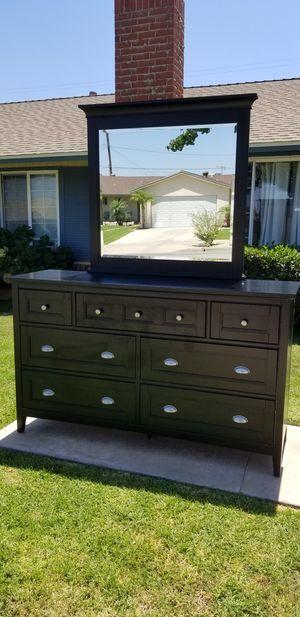 Dresser and mirror for Sale in Orange, CA