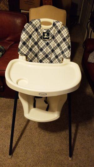 Highchair in good condition for Sale in Wenatchee, WA