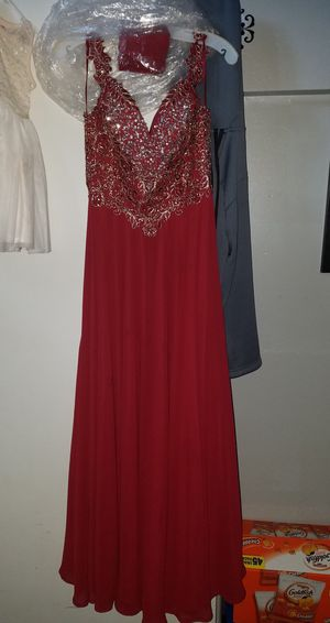 Maroon elegant dress for Sale in Tempe, AZ