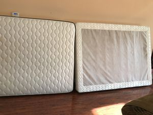 Queen size box spring mattress for Sale in Fremont, CA
