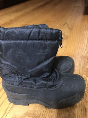 Northside kids snow boots size 1 for Sale in Wheaton, IL