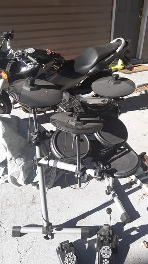 Simmons eletric drum set for Sale in Nashville, TN
