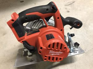 Like new Milwaukee M18 cordless circular saw with wood blade for Sale in San Jose, CA