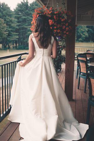 Wedding dress for Sale in Weston, MA