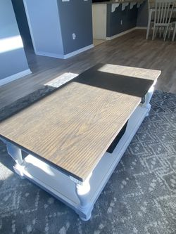 Coffee and End Tables - Like New for Sale in Montebello,  CA