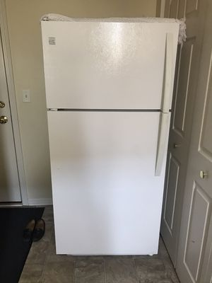 Excellent condition refrigerator for Sale in Naperville, IL