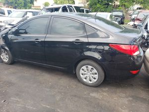 Hyundai accent for parts out 2016 for Sale in Opa-locka, FL