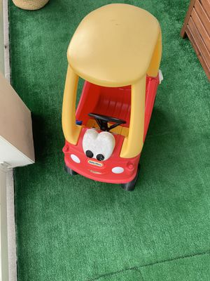 The Little Tikes Cozy Coupe ride on toy for Sale in Orlando, FL