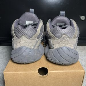 Yeezy 500 Utility Black Size 9 for Sale in Wallingford, CT