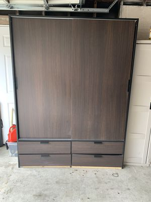 6.5 ft Wardrobe Closet for Sale in Hawthorne, CA