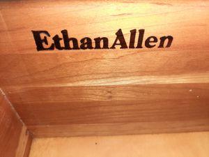 Desk/ chair/bench for Sale in Miami Beach, FL