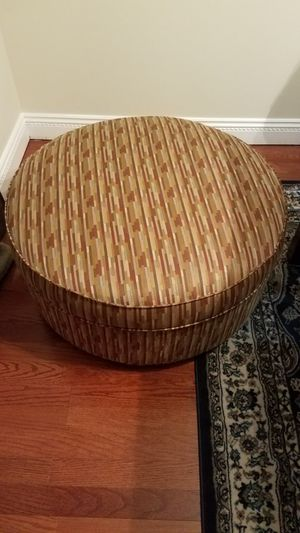Ottoman- large storage space, multi,colored for Sale in Ashburn, VA