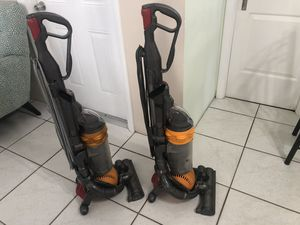 DYSON DC25 MULTI FLOOR BALL UPRIGHT VACUUM CLEANER BOTH $150 for Sale in Miramar, FL