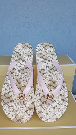 New Authentic Michael Kors Women's Flip Flops Size 10 ONLY for Sale in Montebello, CA