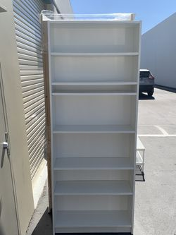 IKEA BILLY Bookcase White Excellent Condition for Sale in Santa Ana,  CA