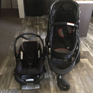 Car seat and stroller set for Sale in Austin, TX