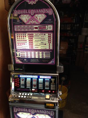 Double diamond bonus machine working for Sale in Inglewood, CA
