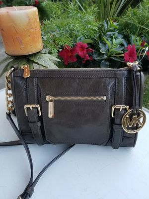 New Michael Kors Cross Body Tote-Hand Bag for Sale in Jackson Township, NJ