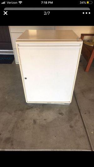 ULINE mini refrigerator model 75R for Sale in Ontario, CA