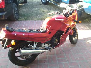 Kawasaki motorcycle runs broke the hand cluch only o for Sale in Los Angeles, CA