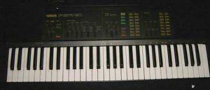 YAMAHA Portatone PSR-31 Electronic Keyboard for Sale in Bonney Lake, WA