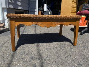 Coffee table for Sale in Elmwood Park, NJ