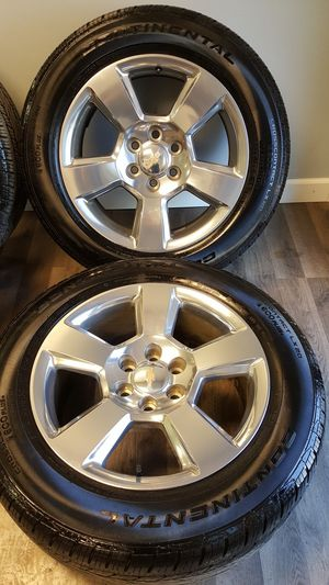 20 inch gm wheels with tires like new (hablo español) for Sale in Elgin, IL