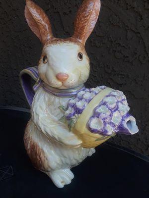 Longaberger Bunny Teapot for Sale in Phoenix, AZ