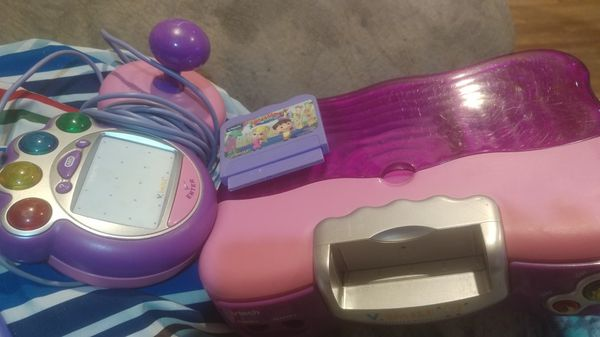 Vtech game system with game