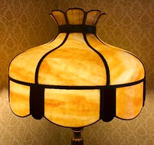 Gorgeous Large antique stained / slag glass lamp for Sale in Chicago, IL