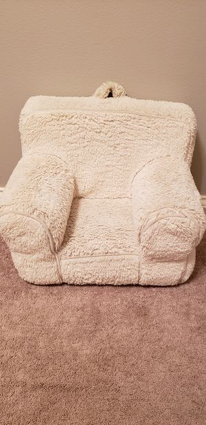 Pottery Barn Kids Chair for Sale in Pearland, TX