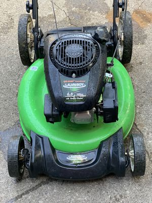 Lawn boy 21' push mower runs good cuts good for Sale in Wayne, MI