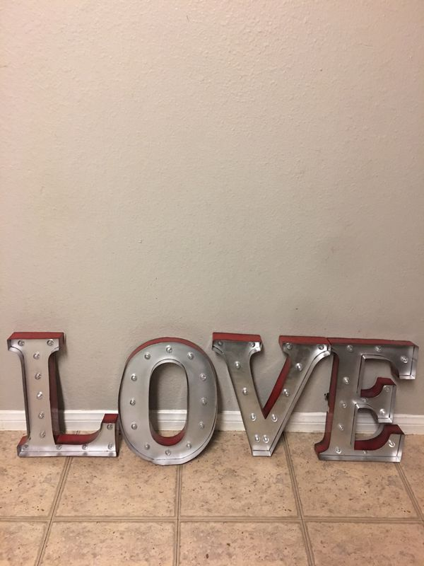 Wall LOVE Letters