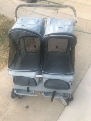 2 seat dog stroller for Sale in Los Angeles, CA